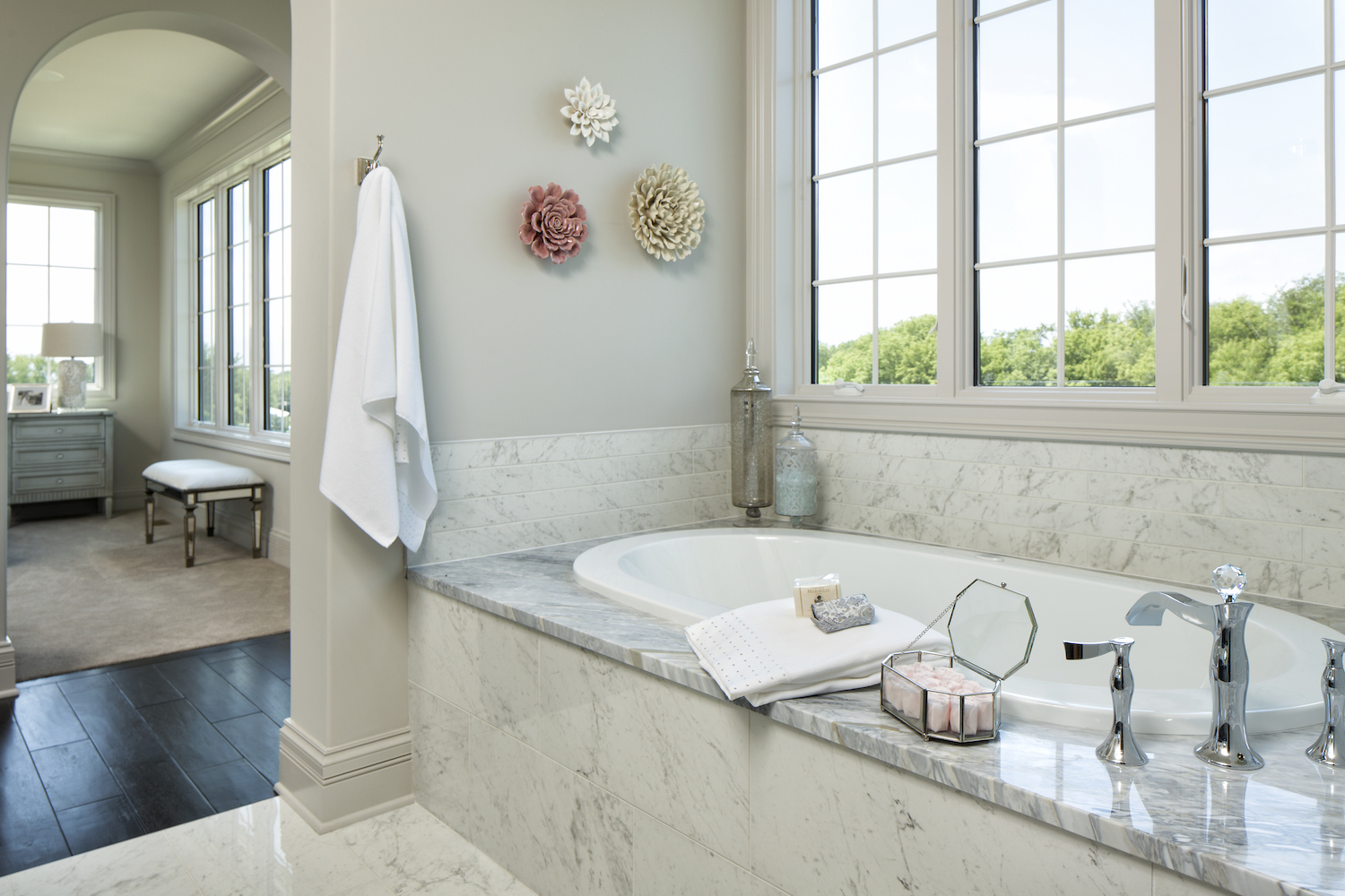 Granite Bathtub Surround | C&D Granite Countertops | Minneapolis